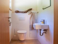doppelhaushaelfte-innen-wc